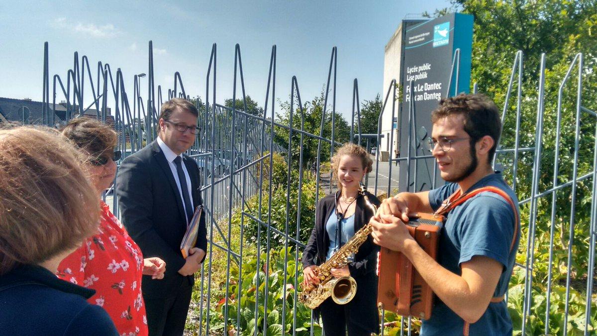 Ita et Victor rencontrent le Président de Région